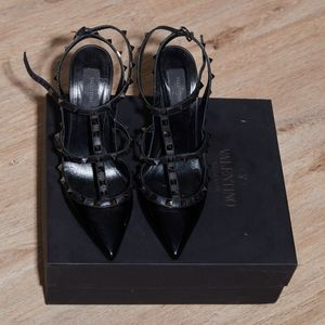 AUTHENTIC VALENTINO NOIR ROCKSTUD PUMPS